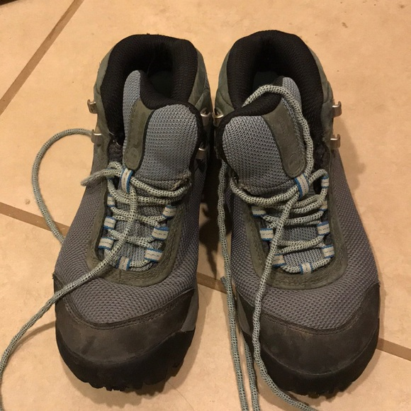 097f175efa5 Patagonia women's hiking boots